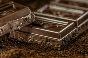 チョコレートは砂糖のカタマリ!?原材料名表示チェックの大切さ